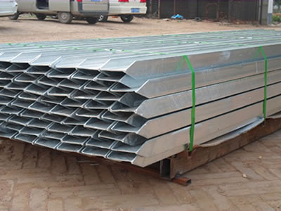 A bundle of RSJ beam palisade posts are packed with metal pallet.